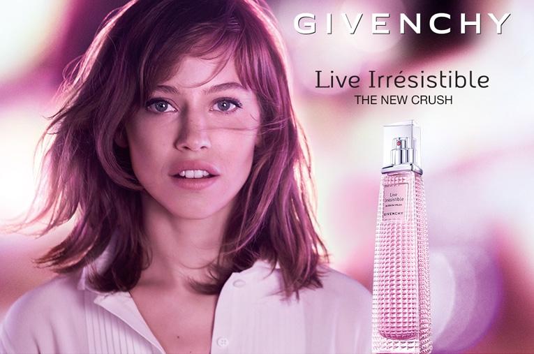 Parfümerie Pieper online - Givenchy Live Irrésistible Blossom Crush