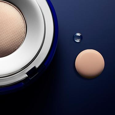 Parfümerie Pieper online - La Prairie Skin Caviar Essence-In-Foundation